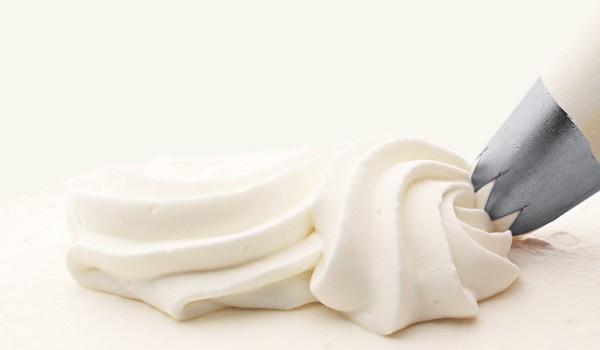 「生クリーム」と「ホイップクリーム」の違いは?