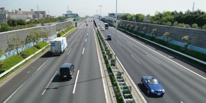 「高速道路」と「自動車専用道路」の違いは?