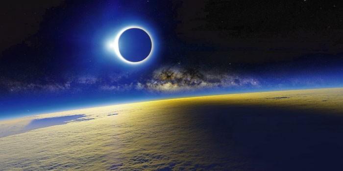 「日食」と「月食」の違いは?