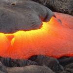 「マグマ」と「溶岩」の違いは?