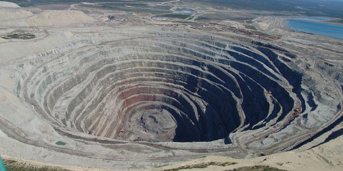 ダイヤモンド鉱山