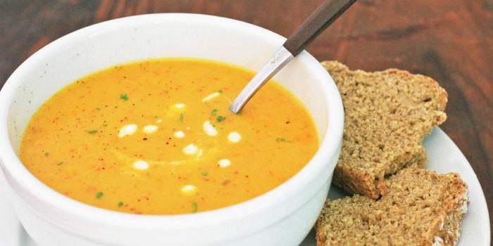 「スープ」と「シチュー」の違いは?