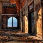 「廃墟」と「廃屋」の違いは?
