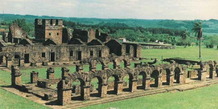ラ・サンティシマ・トリニダー・デ・パラナとヘスース・デ・タバランゲのイエズス会伝道所群