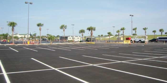 「駐車場」と「モータープール」の違いは?
