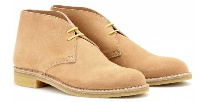 スウェード素材の靴
