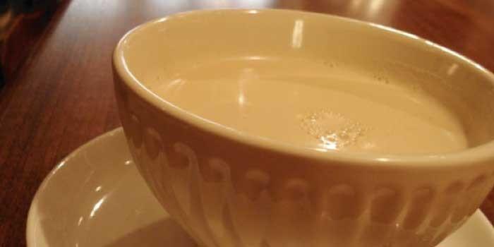 「カフェオレ」と「カフェラテ」の違いは?