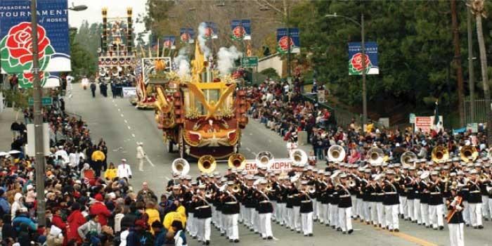 「パレード」と「カーニヴァル」の違いは?