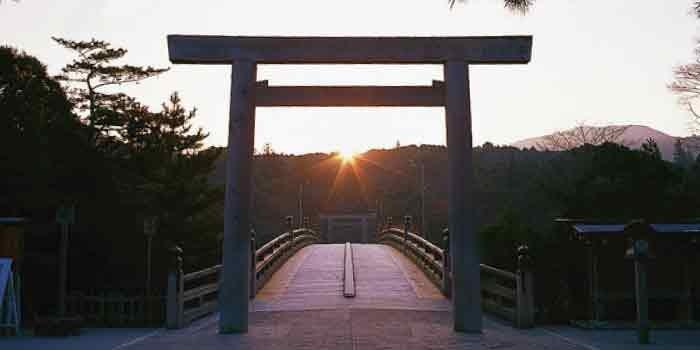 「神社」と「寺院」の違いは?