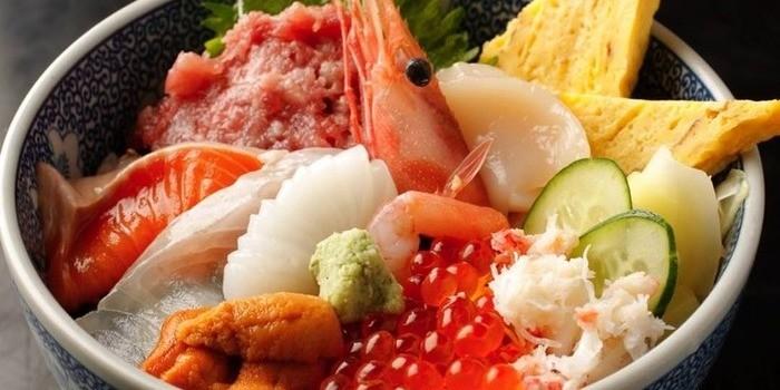「ちらし寿司」と「五目寿司」の違いは?