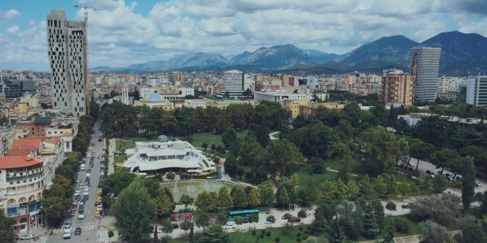 アルバニアの首都ティラナ