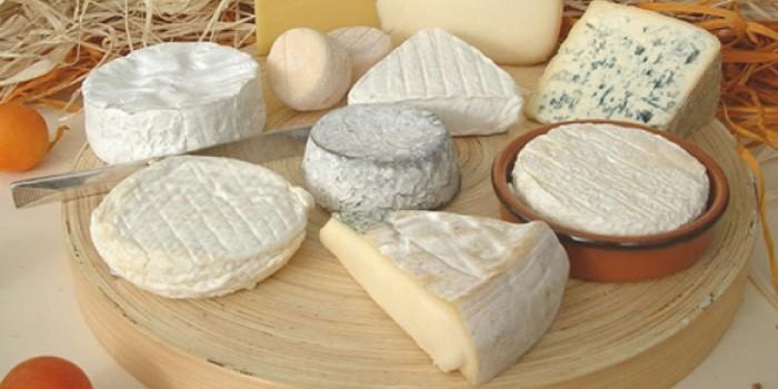 「ナチュラルチーズ」と「プロセスチーズ」の違いは?