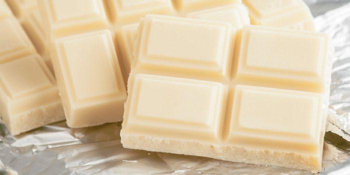 「ホワイトチョコレート」と「ミルクチョコレート」の違いは?
