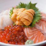 「海鮮丼」と「ちらし寿司」の違いは?