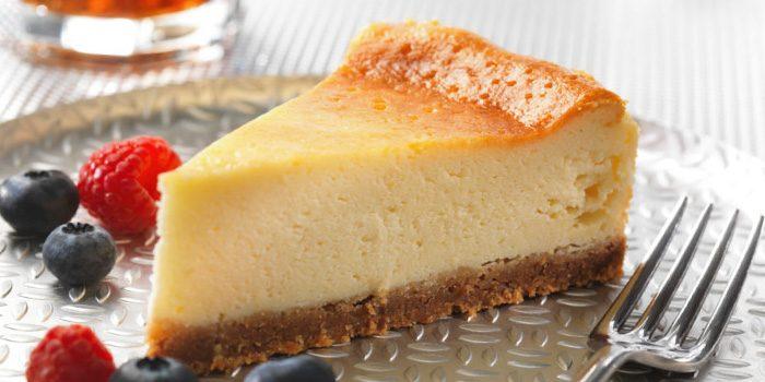「ベイクドチーズケーキ」と「レアチーズケーキ」「スフレチーズケーキ」の違いは?