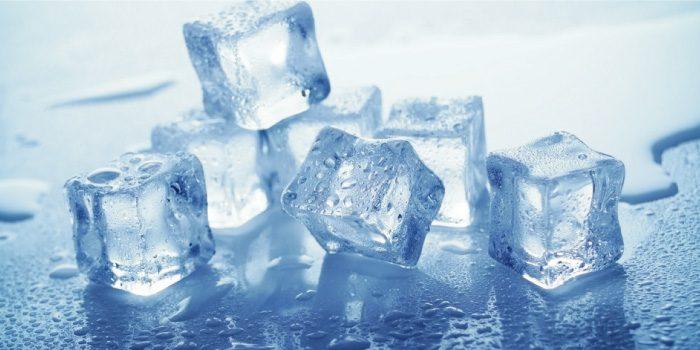 「氷」と「ドライアイス」の違いは?