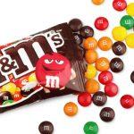 「M&M's」と「マーブルチョコレート」の違いは?