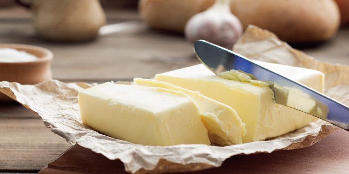 「バター」と「ギー」の違いは?